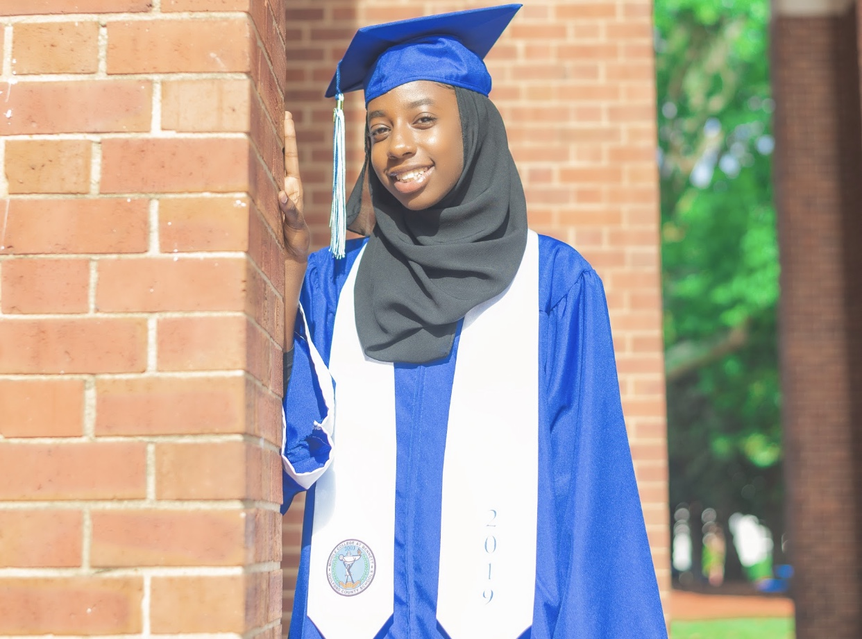 Picture of Zienab in her cap and gown