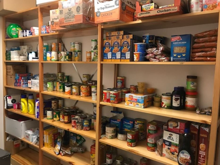 Items in the food pantry
