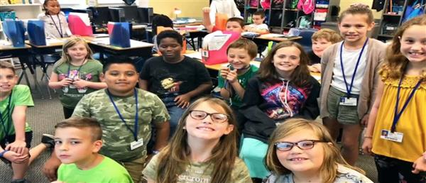 Students at Monticello-Brown Summit Elementary